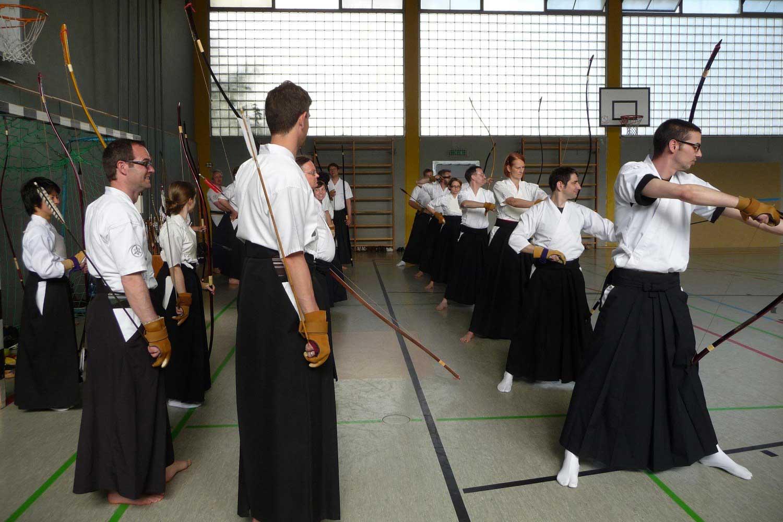 Kyudo Training in der Ziehenschule